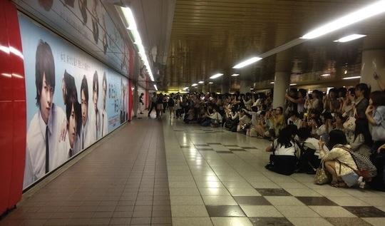 female crowds in shinjuku station