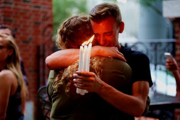 Il cordoglio per il massacro di Orlando